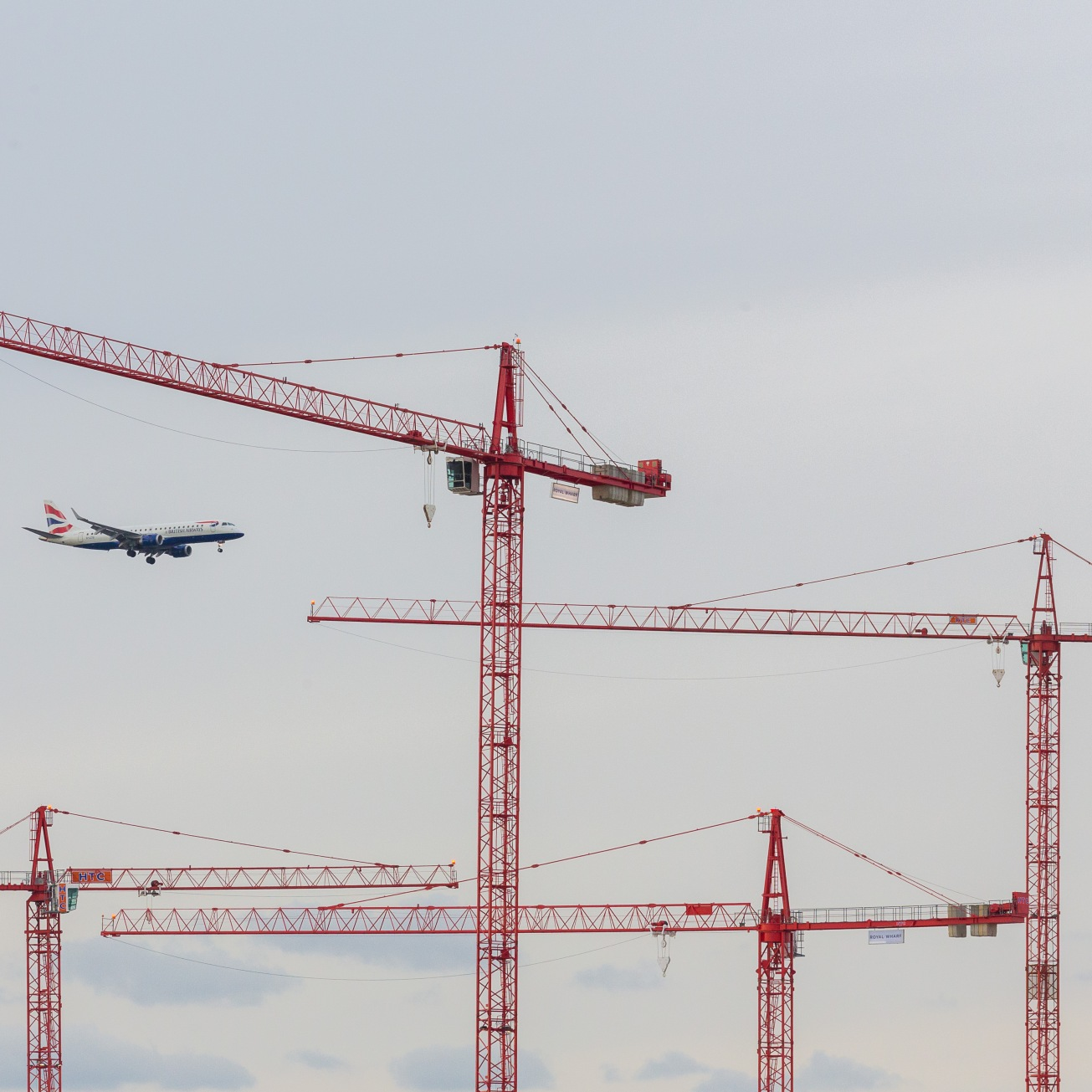 London City Airport traffic with Royal Wharf Development