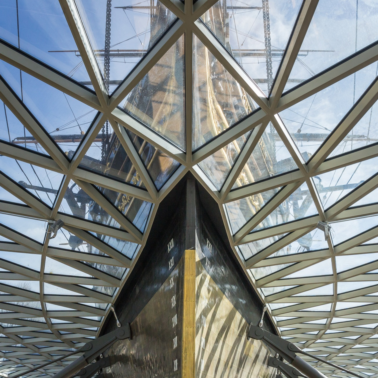 Cutty Sark, one of the last tea clippers and one of the fastest, floating on a structure by Grimshaw Architects