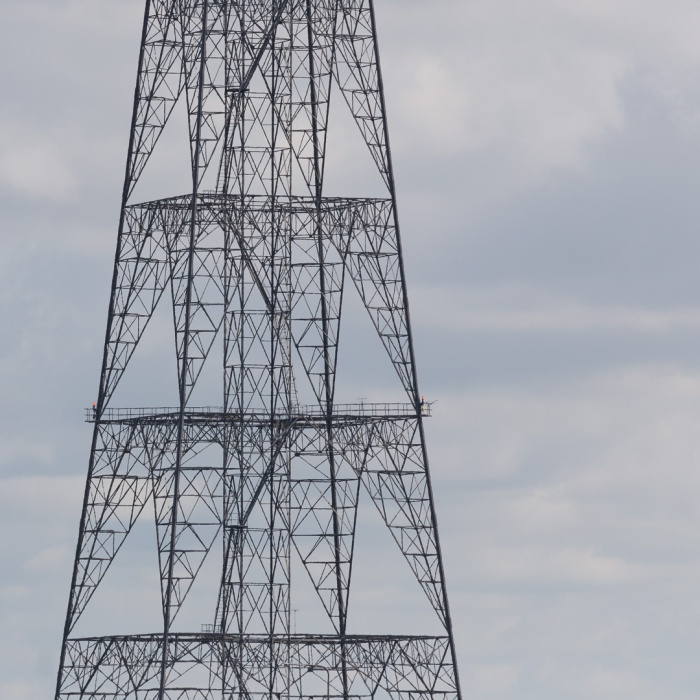 400 kV Thames Grid Crossing, Tallest Pylon in the UK at 190m, Greenhithe.